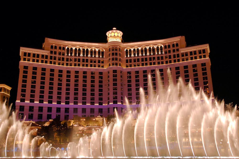 USA Nevada Las Vegas Bellagio Hotel und Casino musikalisch untermalte Wassershow Nachtstimmung Gastronomie Las Vegas Boulevard The Strip Nachtleben(Farbtechnik sRGB 34.74 MByte vorhanden) Geography / Travel .