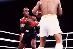 7 Dec 1989:  Sugar Ray Leonard, left, battles Roberto Duran during their bout in Las Vegas, Nevada.  Leonard won the fight with a 12 round decision..Mandatory Credit:  Manny Millan/Icon SMI
