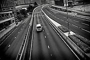 Hong Kong | HongKong | 01.12.2012 :  <br /> <br /> hier: Stadtautobahn in Kowloon<br />   <br /> Sascha Rheker<br /> 20121201<br /> <br /> <br /> <br /> [Inhaltsveraendernde Manipulation des Fotos nur nach ausdruecklicher Genehmigung des Fotografen. Vereinbarungen ueber Abtretung von Persoenlichkeitsrechten/Model Release der abgebildeten Person/Personen liegt/liegen nicht vor.] [No Model Release | No Property Release]