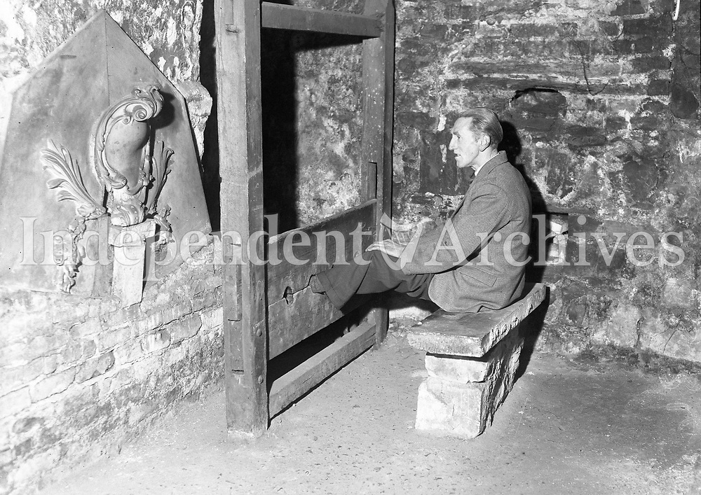Vaults in Christ Church Cathedral. 10 March 1963. (Part of the Independent Newspapers Ireland/NLI Collection)