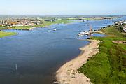 Nederland, Gelderland, Gemeente West Maas en Waal, 24-10-2013; Waal bij Beneden-Leeuwen. In het kader van het programma 'Ruimte voor de rivier' zijn de kribben verlaagd om waterafvoer in de winter en bij hoge waterstanden te versnellen.<br /> River Waal (Rhine), groynes have been lowered to lower waterlevels in the winter.<br /> luchtfoto (toeslag op standaard tarieven);<br /> aerial photo (additional fee required);<br /> copyright foto/photo Siebe Swart.