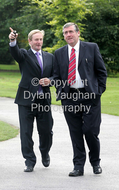 24/9/2004.Pictured yesterday at the Fine Gael Parlimentary meeting at the Parade Towers in Kilkenny Castle was from left Enda Kenny Leader of Fine Gael and Tom Hayes Chairman of the Parlimentry Party..Picture Dylan Vaughan