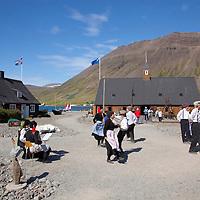 Neðstikaupstaður,  þjóðdansasýning, Ísafjörður / Nedstikaupstad museum. Folk dance Isafjordur.