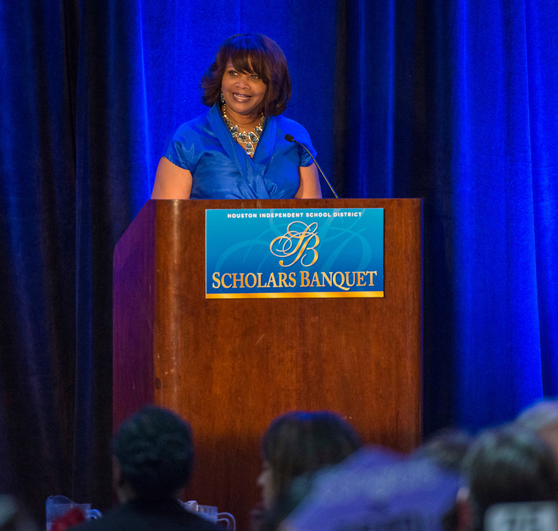 Cynthia Nemons comments during the Scholars Banquet at the Westin Galleria, April 11, 2017.