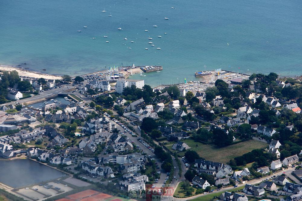 Vue aérienne du Yacht Club de Carnac
