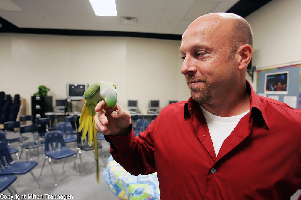 "AJ the celebrity parakeet was given to David Cota of Bradenton, Florida, by the late Johnny Carson on the Tonight Show in 1990.  Cota's former bird, Axl, was to be a guest on the Tonight Show but had an ""unfortunate accident"" the night before his appearance.  AJ went on to a repeat performance as well as appearances on other national television shows and in magazines and newspapers nationwide."