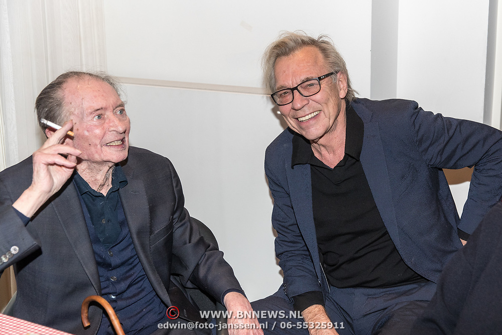 NLD/Amsterdam/20191210 - Rijmprent Ramsey Nasr onthuld, Remco Campert in gesprek met Jan Mulder