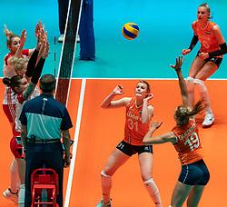 30-05-2019 NED: Volleyball Nations League Netherlands - Poland, Apeldoorn<br /> Nika Daalderop #19 of Netherlands, Eline Timmerman #31 of Netherlands