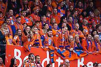 AaFK-supportere på tribunen under cupfinalen i fotball for menn mellom Brann og Aalesund på Ullevaal Stadion i Oslo søndag ettermiddag.