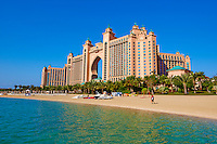Emirats Arabes Unis, Dubai, le quartier de New Dubai, le Palm Jumeirah, hotel Atlantis // United Arab Emirates, Dubai, Marina Dubai, the Palm Jumeirah, Atlantis hotel