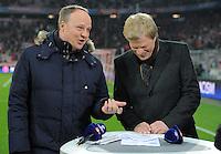 FUSSBALL  CHAMPIONS LEAGUE  ACHTELFINALE  HINSPIEL  2012/2013      FC Bayern Muenchen - FC Arsenal London     13.03.2013 TV-Moderator Oliver Welke (li) und Experte Oliver Kahn (re
