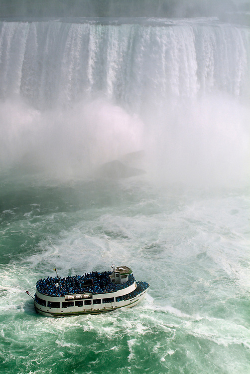 Maid of the Mist boat tours Niagara Falls