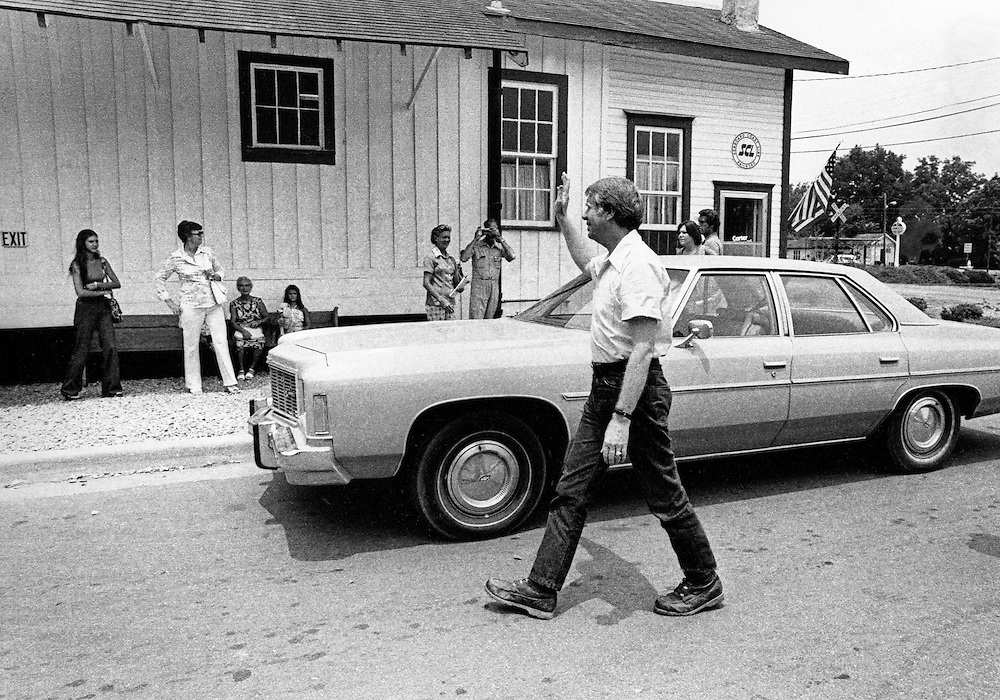 Shortly after announcing as a candidate for president, Governor Jimmy Carter walks down the main street of his hometown of Plains, Georgia mostly unrecognized.