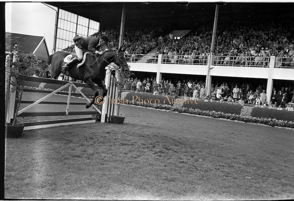 "09/08/1962<br /> 08/09/1962<br /> 09 August 1961<br /> RDS Horse Show, Ballsbridge Dublin, Thursday. <br /> Picture shows ""Franco"" of Great Britain ridden by David Barker."