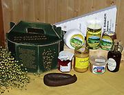 Sendingskorg fra Trøndelag, gaveeske for samarbeid mellom gårdsmatprodusenter i Nord- og Sør-Trøndelag.