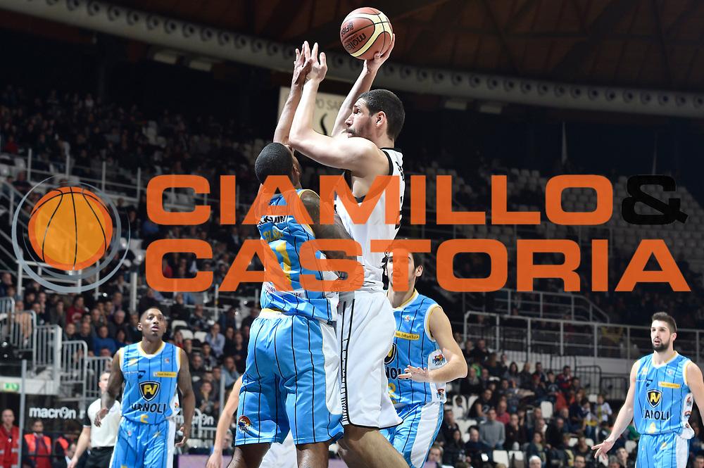 DESCRIZIONE : Bologna Lega A 2014-15 Granarolo Bologna Vanoli Cremona<br /> GIOCATORE : Gino Cuccarolo<br /> CATEGORIA : tiro<br /> SQUADRA : Granarolo Bologna<br /> EVENTO : Campionato Lega A 2014-15<br /> GARA : Granarolo Bologna Vanoli Cremona<br /> DATA : 20/12/2014<br /> SPORT : Pallacanestro <br /> AUTORE : Agenzia Ciamillo-Castoria/Max.Ceretti<br /> Galleria : Lega Basket A 2014-2015 <br /> Fotonotizia : Bologna Lega A 2014-15 Granarolo Bologna Vanoli Cremona<br /> Predefinita :