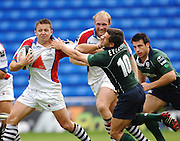 2005/06 Guinness Premiership Rugby, London Irish vs Bristol Rugby; Bristol Flay half, Jason Strange, hands of his oppersite number, Exiles Barry Everitt. Madejski Stadium, Reading, ENGLAND 24.09.2005   © Peter Spurrier/Intersport Images - email images@intersport-images..