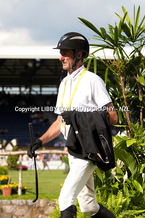 NZL-Mark Todd: 2012 GER-CHIO Aachen Weltfest des Pferdesports (Friday) - DHL Preis CICO*** Eventing Showjumping: Course Walk
