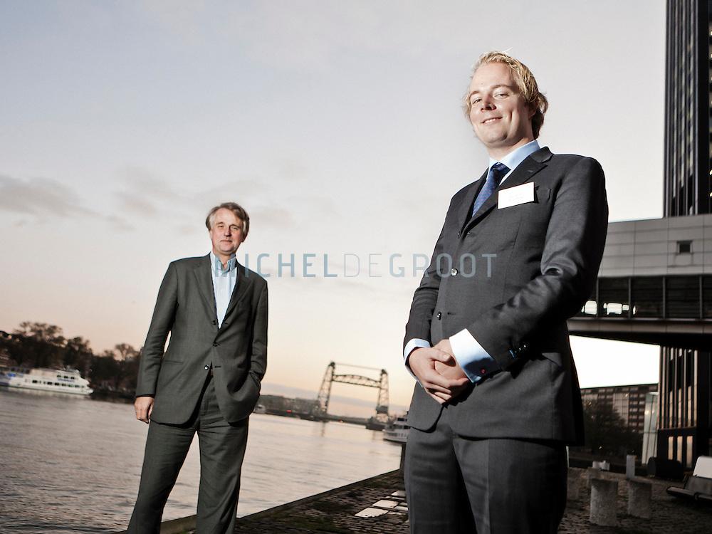 Shell CEO Dick Benschop en zijn student CEO Stijn van Zon tijdens TEDx in Rotterdam