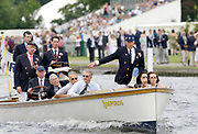 2005 Henley Royal Regatta, Henley on Thames, ENGLAND. Tuesday 29.06.2005 Henley Ryal Regatta umpire Mike Baldwin warns a crew for a steering infringment. <br />