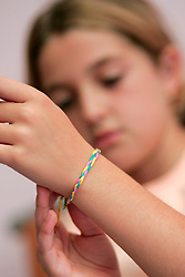 10 year old girl with friendship bracelet UK