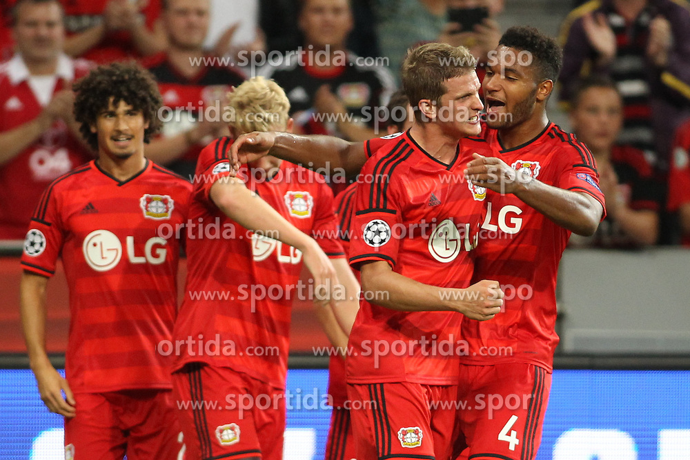 26.08.2015, BayArena, Leverkusen, GER, UEFA CL, Bayer 04 Leverkusen vs Lazio Rom, Playoff, R&uuml;ckspiel, im Bild Lars Bender (Bayer 04 Leverkusen #8) und Jonathan Tah (Bayer 04 Leverkusen #4) feiern den Sieg nach dem Abpfiff // during UEFA Champions League Playoff 2nd Leg match between Bayer 04 Leverkusen and SS Lazio at the BayArena in Leverkusen, Germany on 2015/08/26. EXPA Pictures &copy; 2015, PhotoCredit: EXPA/ Eibner-Pressefoto/ Schueler<br /> <br /> *****ATTENTION - OUT of GER*****