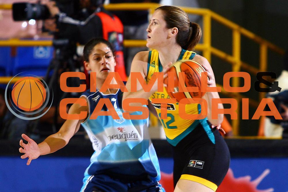 DESCRIZIONE : San Paolo Sao Paolo Brasile Brazil World Championship for Women 2006 Campionati Mondiali Donne Australia-Argentina<br /> GIOCATORE : Snell<br /> SQUADRA : Australia Argentina<br /> EVENTO : San Paolo Sao Paolo Brasile Brazil World Championship for Women 2006 Campionati Mondiali Donne Australia-Argentina<br /> GARA : Australia Argentina<br /> DATA : 18/09/2006 <br /> CATEGORIA : <br /> SPORT : Pallacanestro <br /> AUTORE : Agenzia Ciamillo-Castoria/E.Castoria <br /> Galleria : world championship for women 2006<br /> Fotonotizia : San Paolo Sao Paolo Brasile Brazil World Championship for Women 2006 Campionati Mondiali Donne Australia-Argentina<br /> Predefinita :
