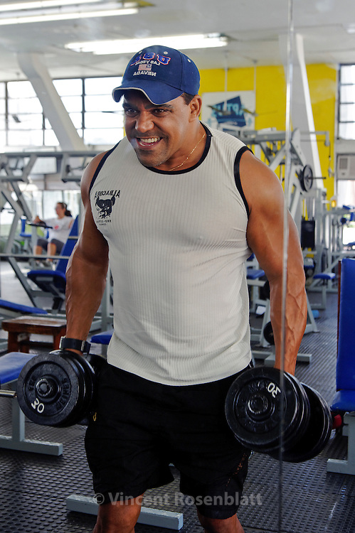 Robson Figueiredo is a personal trainer, body builder & dancer. He entered a research program on men lipoaspiration that allow him to receive the surgery for free at the Santa Casa de Misericordia hospital, in the department directed by Pr. Ivo Pitangy.