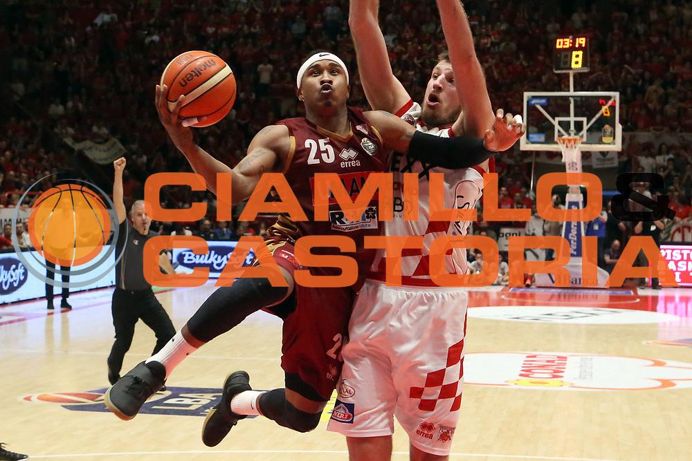Tyrus Mc Gee<br /> The Flexx Pistoia Umana Reyer Venezia<br /> Lega Basket Serie A 2016/2017<br /> Playoff Quarti di finale Gara 4<br /> Pistoia 19/05/2017<br /> Foto Ciamillo-Castoria