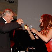Uitreiking Bert Haantra Oeuvreprijs 2004, Loes Luca en paul Verhoeven