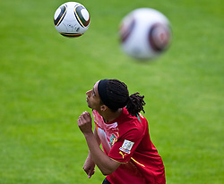 23.05.2010, AUT, FIFA Worldcup Vorbereitung, Training Kamerun im Bild Benoit Assou-Ekotto, Abwehr, Nationalteam Kamerun (Tottenham Hotspur), EXPA Pictures © 2010, PhotoCredit: EXPA/ J. Feichter / SPORTIDA PHOTO AGENCY