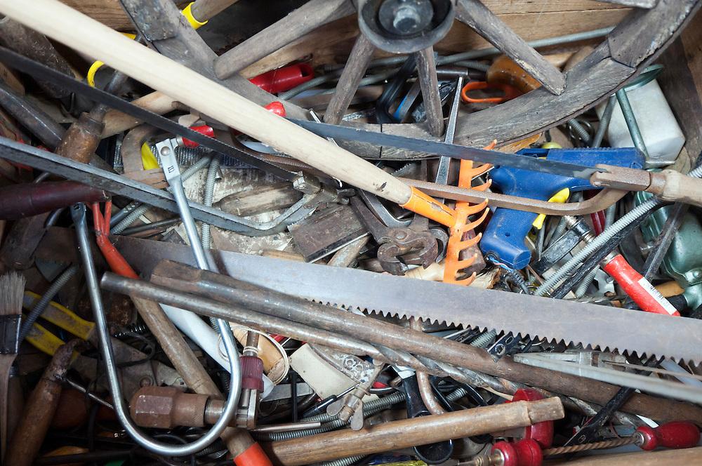 Kiste mit  Werkzeug