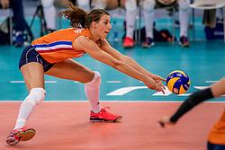 01-10-2017 AZE: Final CEV European Volleyball Nederland - Servie, Baku<br /> Nederland verliest opnieuw de finale op een EK. Servi&euml; was met 3-1 te sterk / Robin de Kruijf #5 of Netherlands