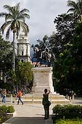 Merida_VEN, Venezuela...Monumento historico em praca publica em Caracas, Venezuela...Historic monument in a public square in Caracas, Venezuela...Foto: JOAO MARCOS ROSA / NITRO