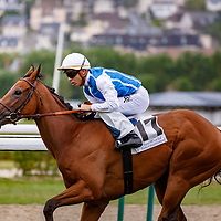 Enlighted (M. Guyon) wins Prix Just World International (Prix de Chaumieres) in Deauville 08/08/2017, photo: Zuzanna Lupa/Racingfotos.com