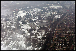 Parts of London Still covered in snow, Monday February 6, 2012. Photo By Andrew Parsons/ i-Image..