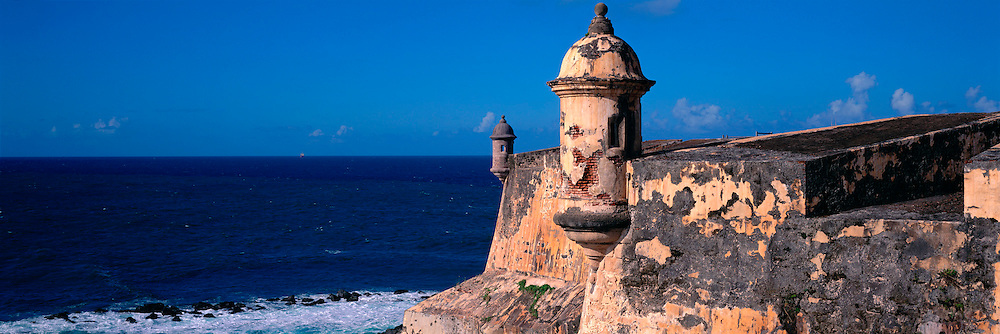 PUERTO RICO, SAN JUAN El Morro fortress watch towers