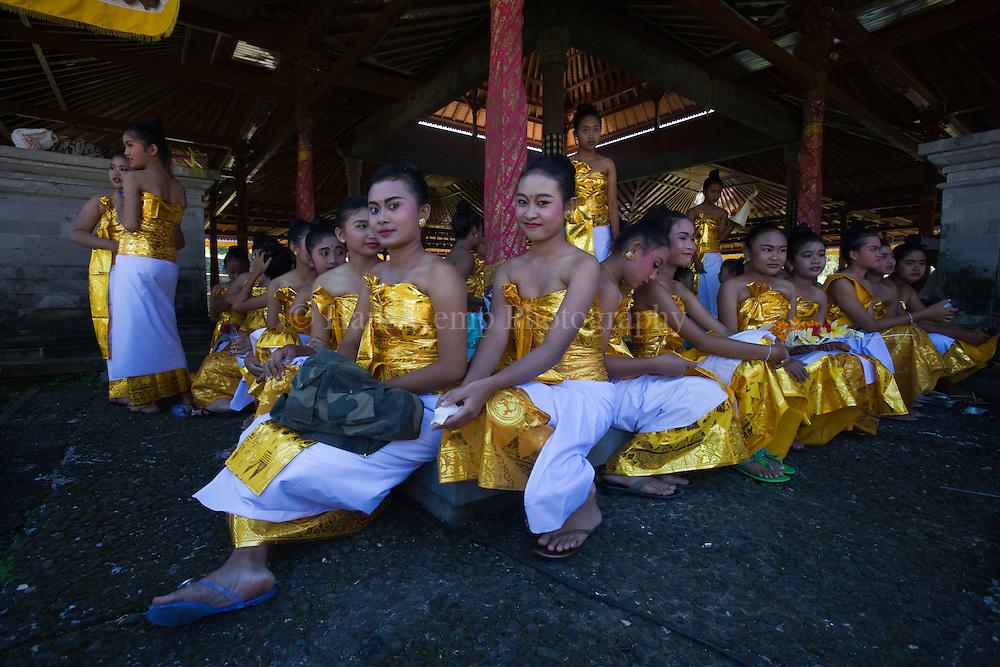 Dancers at the Pura Besakih Temple on Bali