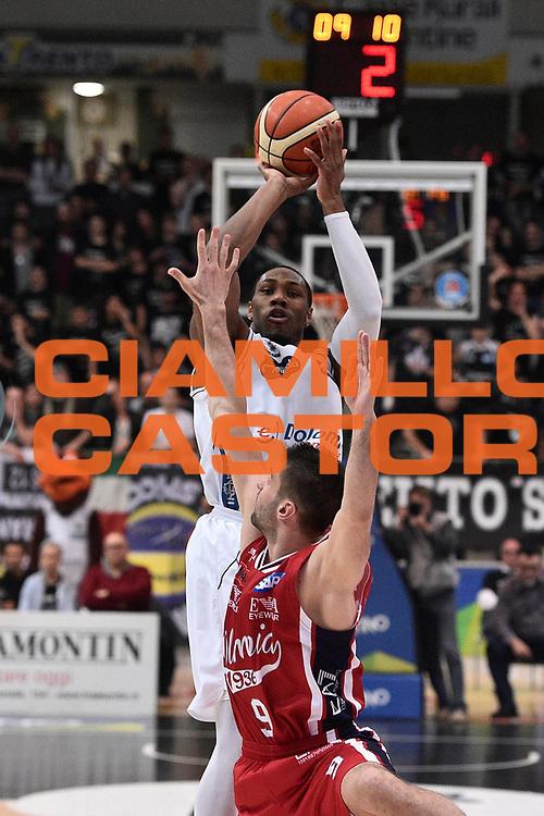 Playoff gara3-12Maggio2016Trento<br /> BASKET SERIE A<br /> Dolomiti Energia Trento-Olimpia EA7 Emporio Armani Milano<br /> NELLA FOTO <br /> FOTO CIAMILLO