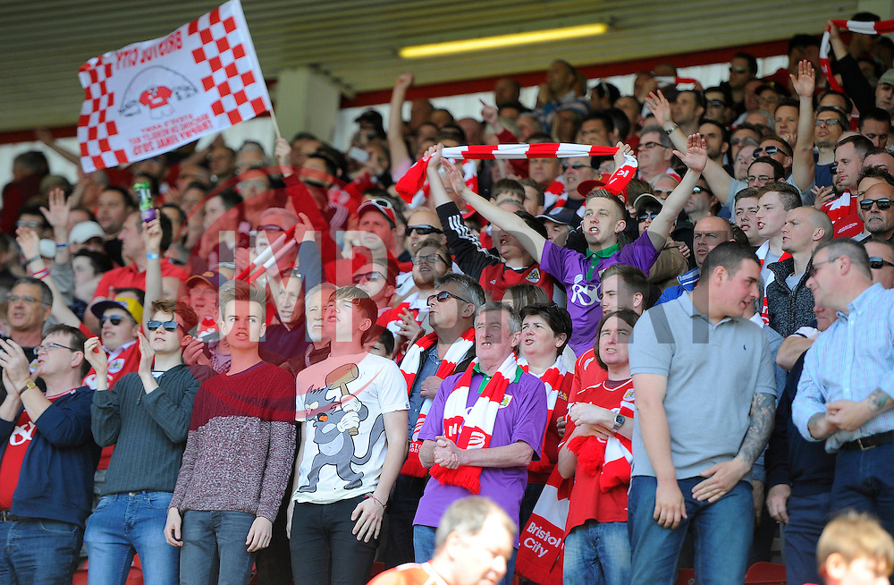 Fans  - Photo mandatory by-line: Joe Meredith/JMP - Mobile: 07966 386802 - 18/04/2015 - SPORT - Football - Bristol - Ashton Gate - Bristol City v Coventry City - Sky Bet League One