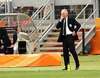 Photo: Chris Ratcliffe.<br /> England v Trinidad & Tobago. Group B, FIFA World Cup 2006. 15/06/2006.<br /> Sven Goran Eriksson watches on.