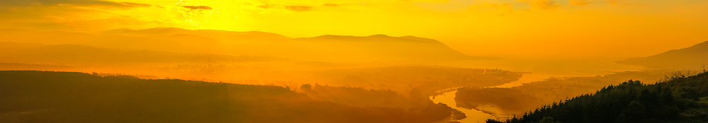 Panorama from my last set from the other morning at Flagstaff Viewpoint after the sun had risen giving a lovely golden effect. Photo made up of 13 shots at 85mm giving stunning levels of detail