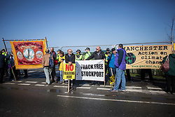 © Licensed to London News Pictures. 29/09/2017. Lancashire, UK.  Protesters from Greater Manchester join groups from Blackpool to protest against fracking outside Cuadrillas Hydraulic Fracturing site on Preston New Road, Lancashire. Over 100 protesters from all over the UK joined the on going anti-fracking protest on Preston New Road in Lancashire ahead of the Conservative Party Conference in Manchester. Photo credit: Steven Speed/LNP
