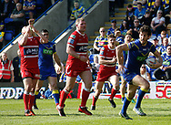 Stefan Ratchford of Warrington Wolves breaks the line on his way to score the try against Hull Kingston Rovers during the Betfred Super League match at the Halliwell Jones Stadium, Warrington<br /> Picture by Stephen Gaunt/Focus Images Ltd +447904 833202<br /> 14/04/2018