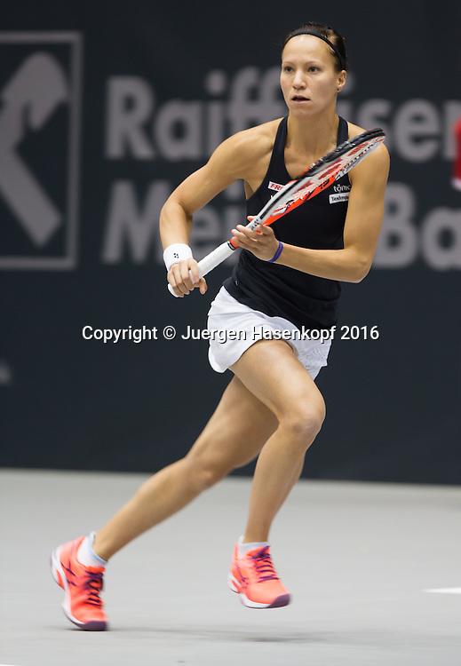 VIKTORIJA GOLUBIC (SUI), Mitzieher,Bewegungsunschaerfe,<br /> <br /> Tennis - Ladies Linz 2016 - WTA -  TipsArena  - Linz - Oberoesterreich - Oesterreich - 13 October 2016. <br /> &copy; Juergen Hasenkopf