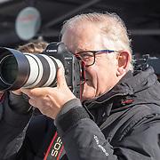 NLD/Biddinghuizen//20170305 - De Hollandse 100 - Stichting Lymph & Co 2017, meester Pieter van Vollenhoven met zijn Canon Camera aan het fotograferen