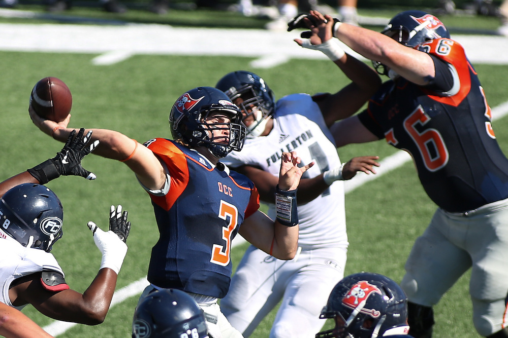 Fullerton College defeats Orange Coast College 35-14 at Orange Coast College on November 5, 2016.