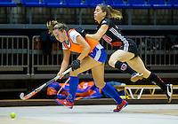 ROTTERDAM - Zaalhockey competitie hoofdklasse . Kampong - Amsterdam . Elsemieke Groen met  Renee van Laarhoven als vliegende keeper. COPYRIGHT KOEN SUYK
