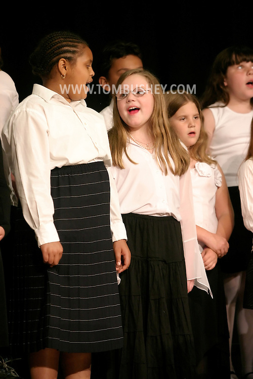 Mechanicstown Elementary School's June Chorus Conert at Maple Hill Middle School in Middle3town. June 2, 2005.