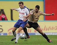Fotball. 23. oktober 2004, <br /> Bundesliga Hansa Rostock - FC Bayern München<br /> v.l. Thomas Rasmussen Rostock, Vahid Hashemian